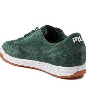 Fila Green Gum Men's Tennis Shoes 9.5 EUC